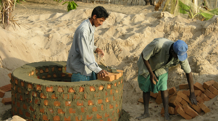 building hand dug well CCCLoH Sri Lanka