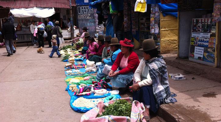 Selling harvest, Femi Peru